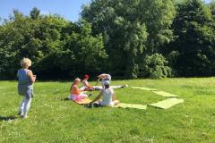 Mittags-Yoga im Garten